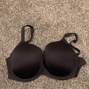 38F black bra
